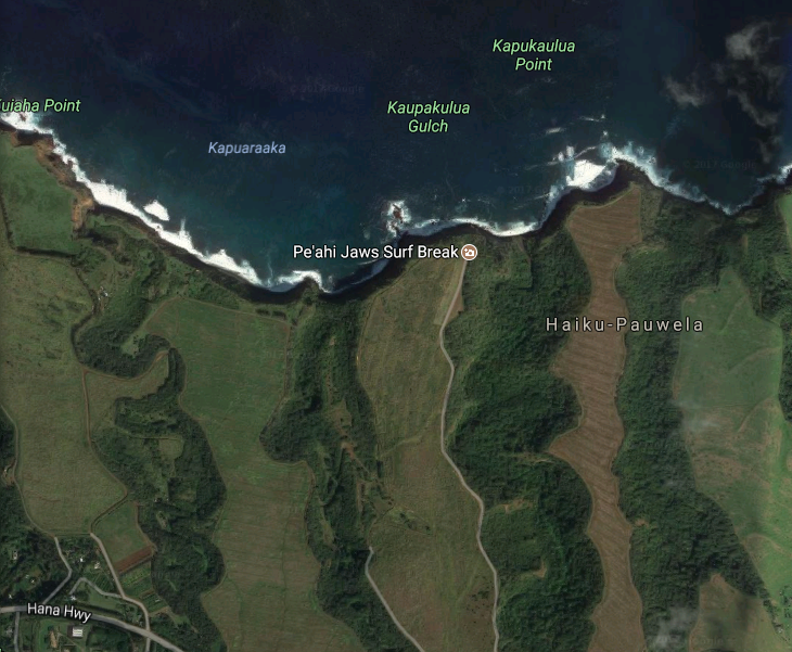 General location of fire in Peahi. Google Maps