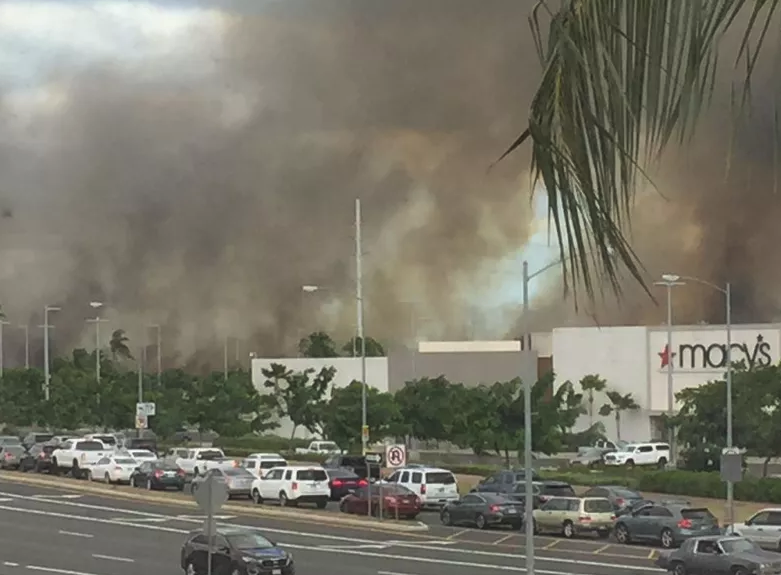 The Ka Makana Alii mall was evacuated due to the fire. Credit: Hawaii News Now