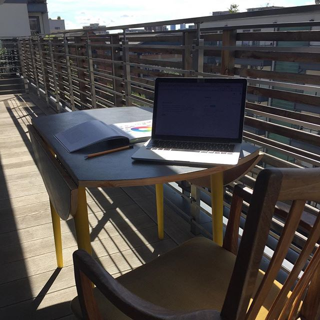 Making the most of the balcony while the weather still nice #coworkingspace #coworkinglondon #coworkinglife #londonsummer