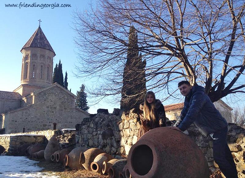 Наши гости из Киева после экскурсии по Кахети. И квеври, да :) Фото: Friend in Georgia