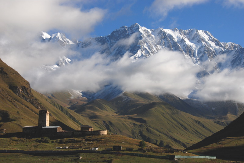 Shahara_peak_near_Ushguli_1870wikipedia.jpg