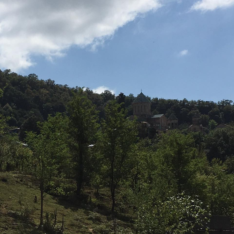 Там, вдали, - монастырь Гелати