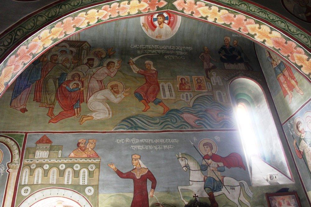 Фрески изображают библейские сцены и историю   Грузии
