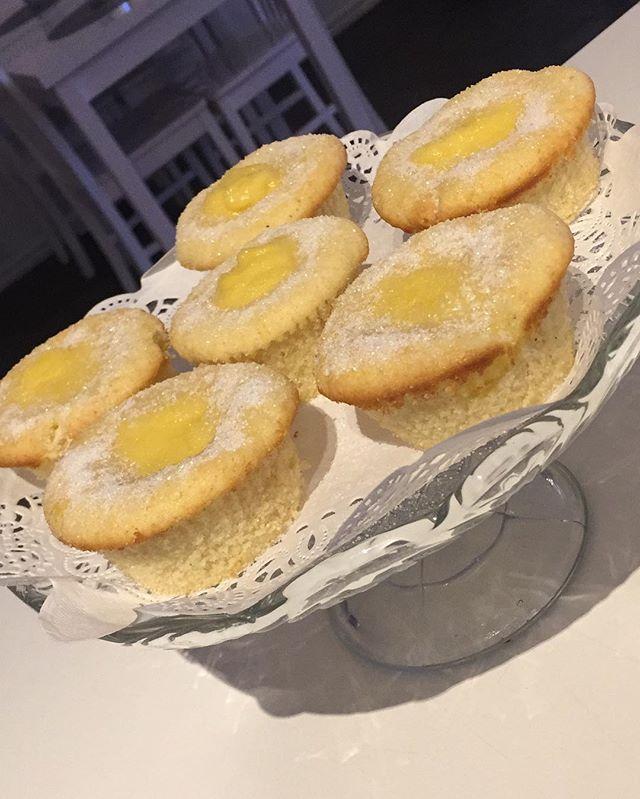 Sockerbullsmuffins, fyllda med massa vaniljkräm😍❤️ #muffins #lejascafeua #whiteguidecafe