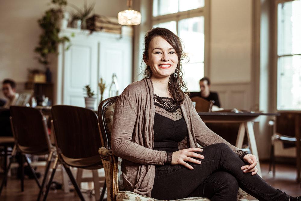 Olivia Kaufmann Soziokulturelle Animatorin,Kulturmanagerin, Naturliebhaberin, Foodlover und Hobbyköchin.   K   ontakt   /   Webseite