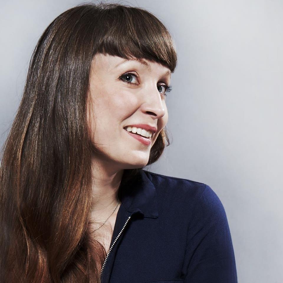 Barbara Müller leitet den Hauptsitz und ist bei Fragen für dich da: barbara@derhauptsitz.ch
