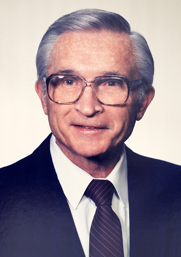 <div>Dr. Elbert Brooks</div>1982-1990</a>