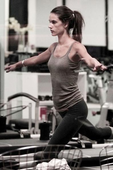 Alessandra-Ambrosio-Workout-Routine.jpg