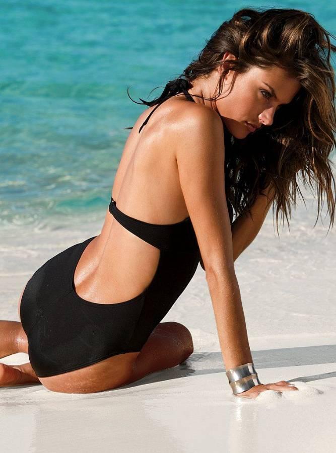 Alessandra-Ambrosio-Victorias-Secret-Model.jpg