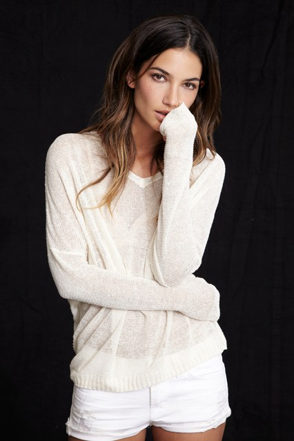 Lily-Aldridge-8-Vogue-5Mar14-pr_b_426x639.jpg
