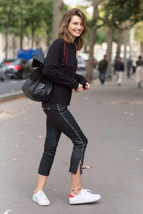 fddf4a7c95f2f22cf56af35fb6a4d5ad--models-off-duty-leather-pants.jpg