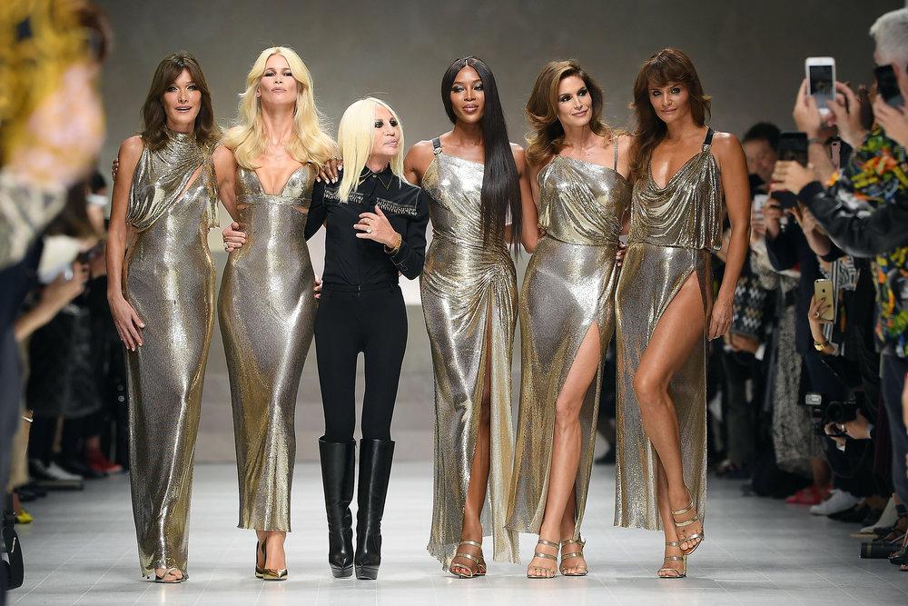 1506962876-versace-supermodel-reunion.jpg