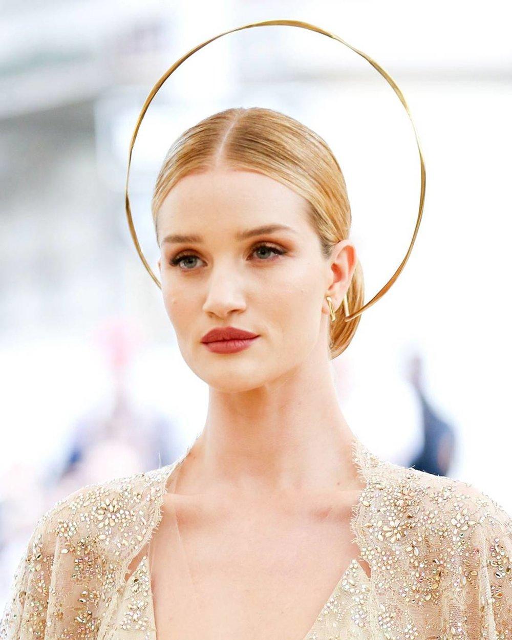 rs_1080x1350-180507201825-1080x1350-Rosie-Huntington-Whiteley-Met-Gala-2018-Beauty.jpg
