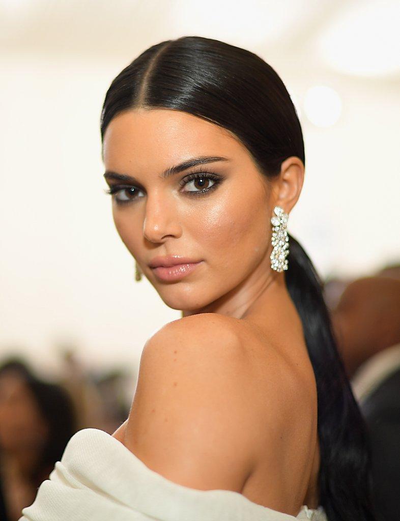 Kendall-Jenner-Off-White-Suit-Met-Gala-2018.jpg