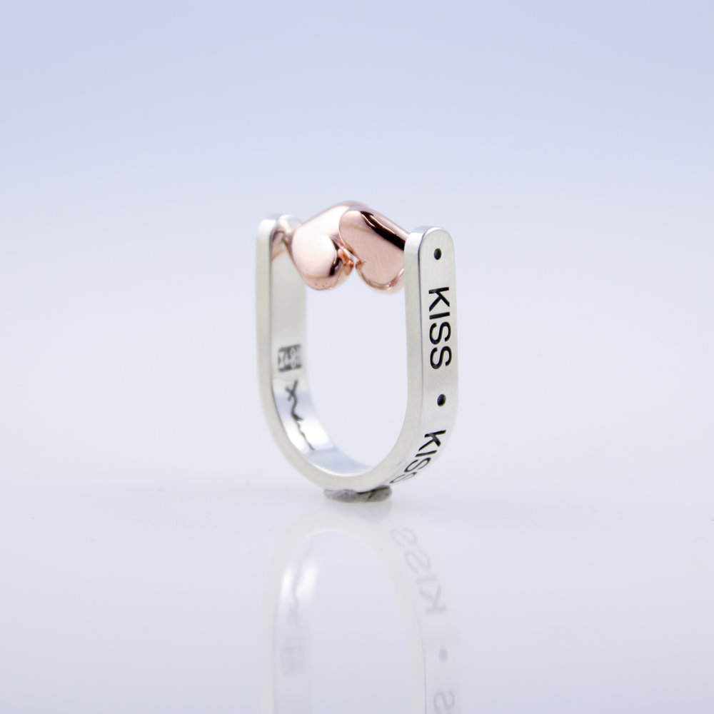 Kiss Ring   white gold, rose gold