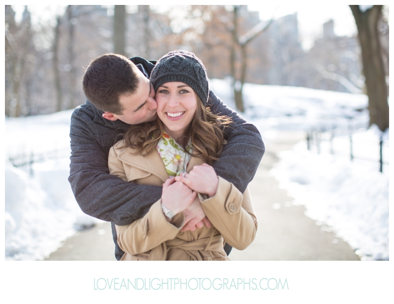 Central_Park_Winter_Engagement_Photos_NYC08.jpg