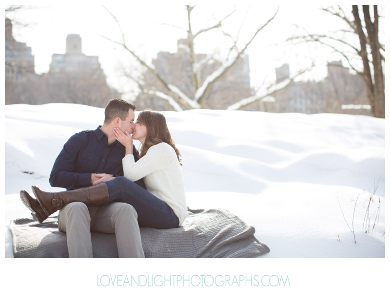 Central_Park_Winter_Engagement_Photos_NYC14.jpg