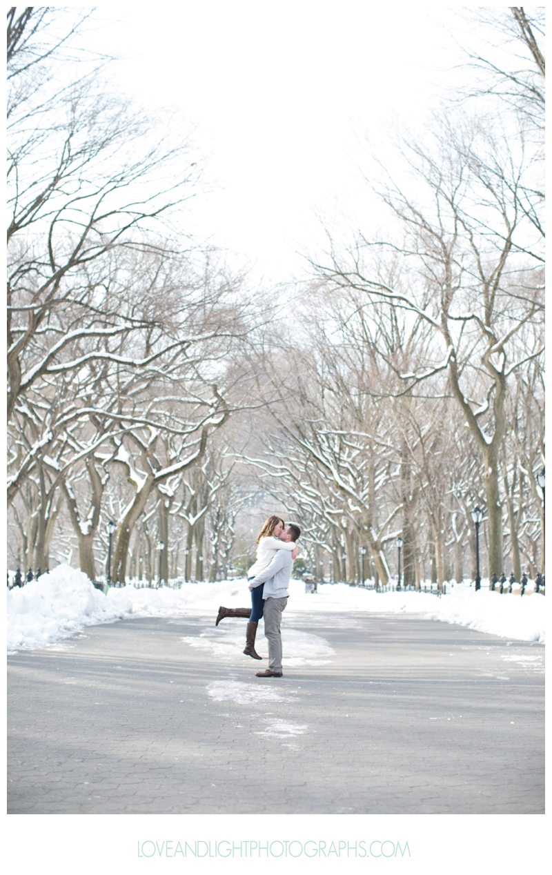 Central_Park_Winter_Engagement_Photos_NYC07.jpg