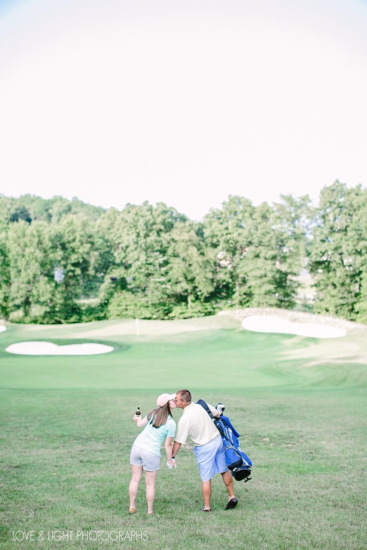 new-jersey-golf-course-engagement-photos-06.jpeg