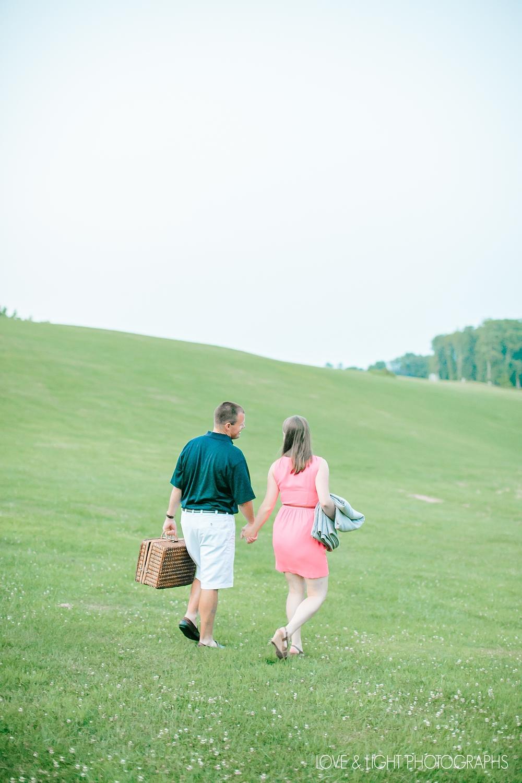 new-jersey-golf-course-engagement-photos-31.jpeg