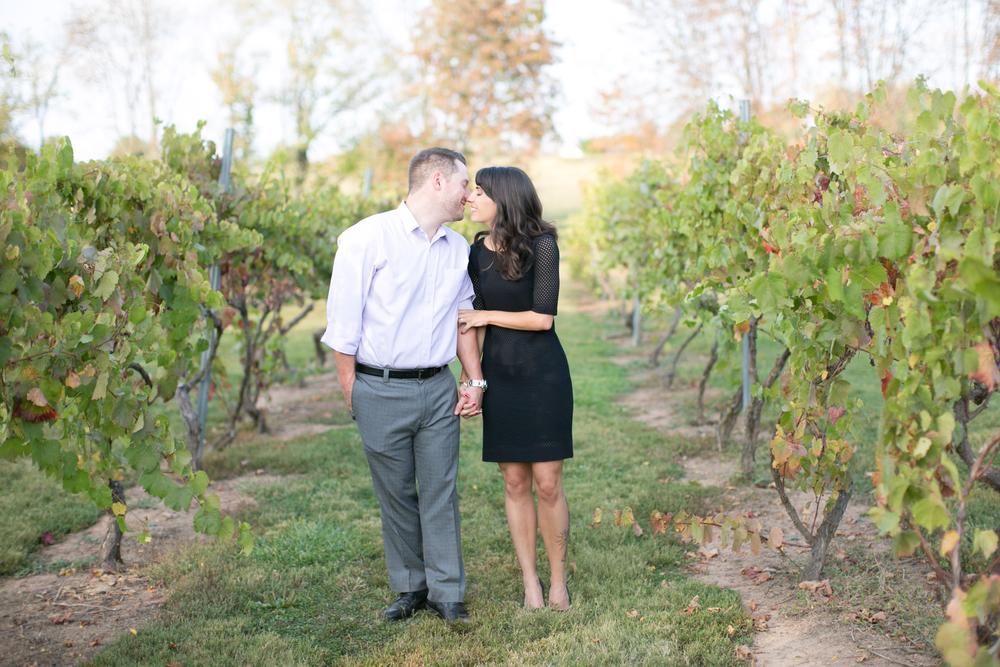 new-jersey-old-york-cellars-vineyard-engagement-photos08.jpg