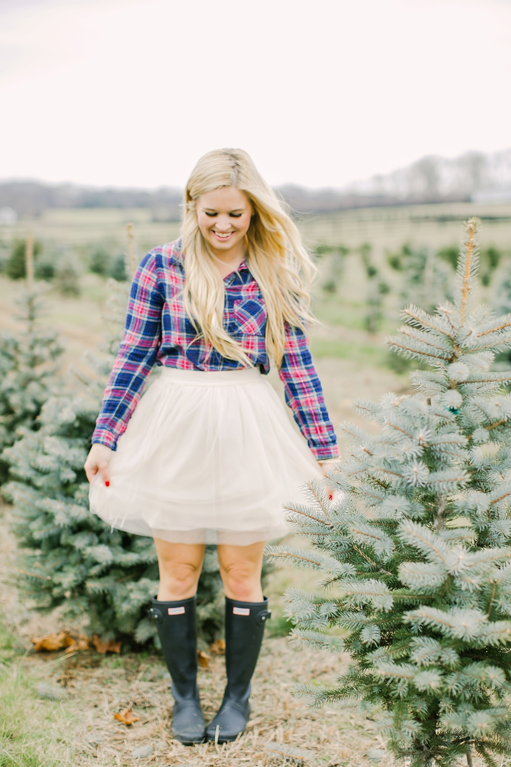 christmas-tree-farm-engagement-nj-06.jpg