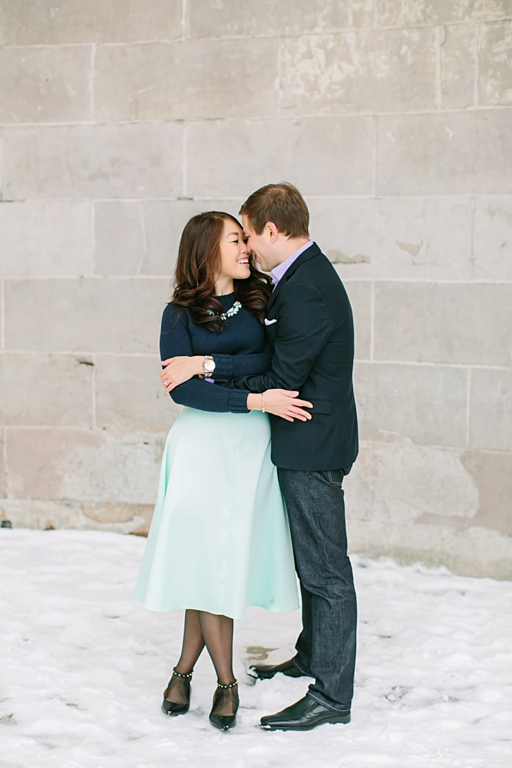 central_park_new_york_city_winter_engagement_photos_0004.jpg