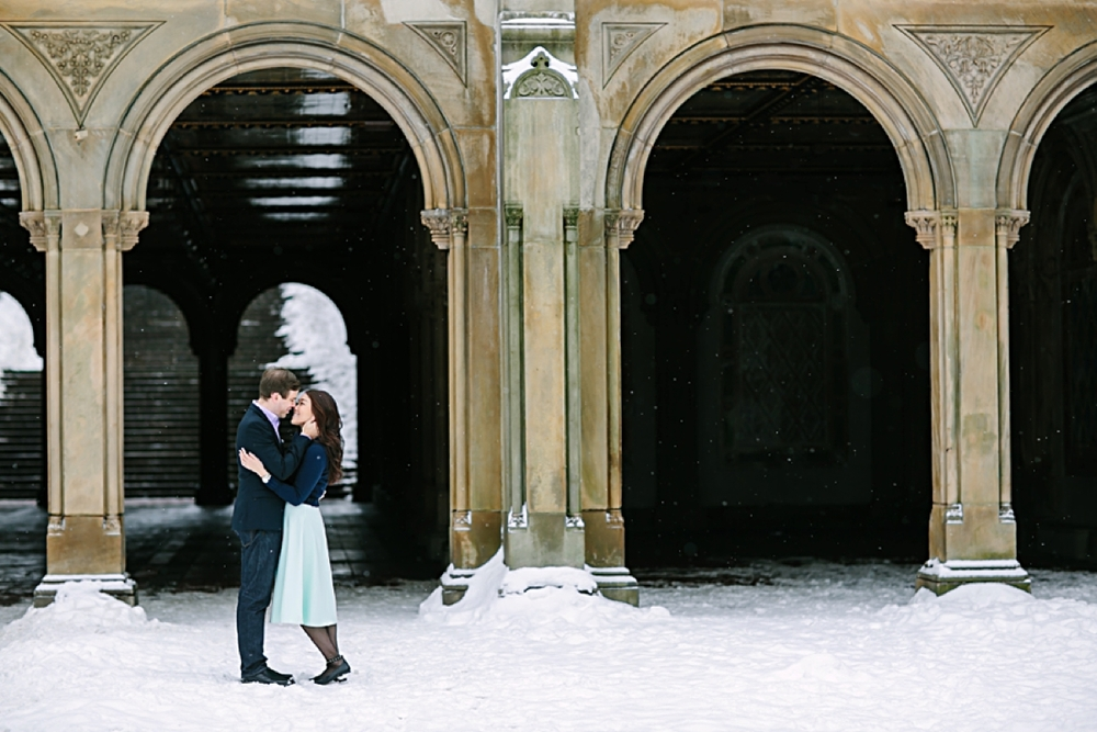 central_park_new_york_city_winter_engagement_photos_0009.jpg