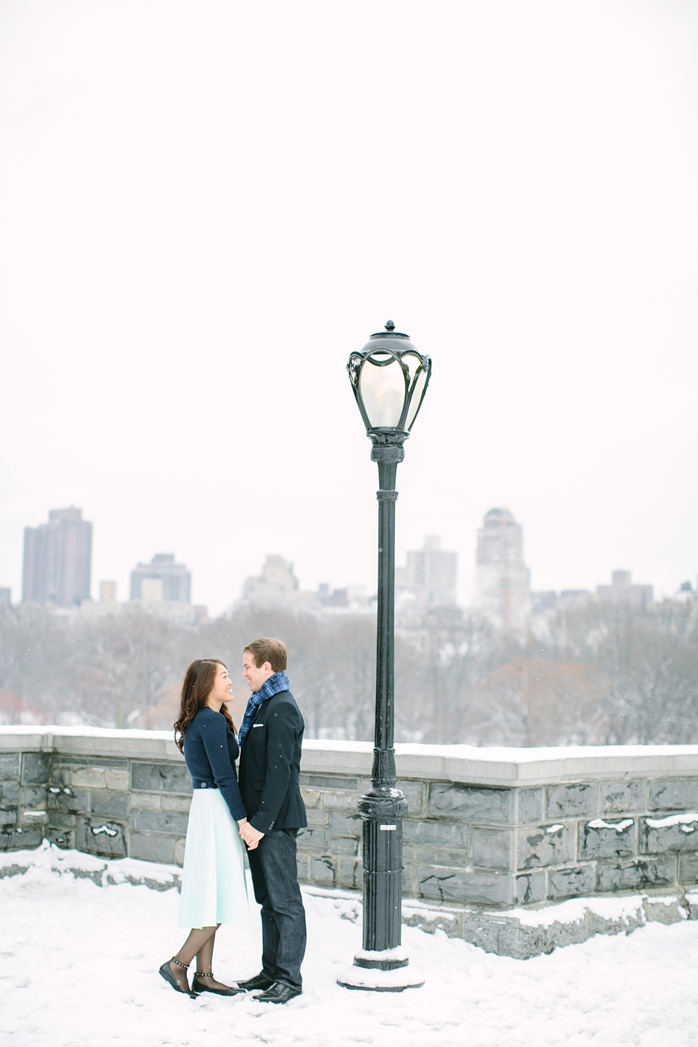 central_park_new_york_city_winter_engagement_photos_0021.jpg