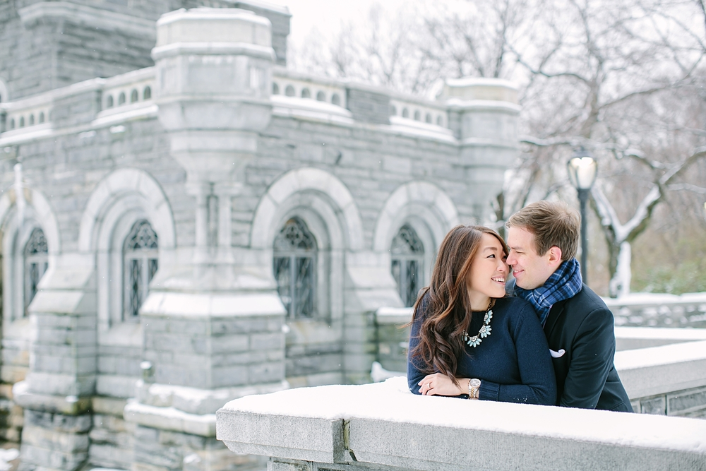 central_park_new_york_city_winter_engagement_photos_0023.jpg