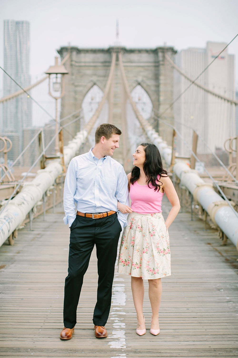 brooklyn-bridge-new-york-engagement-photos_0001.jpg