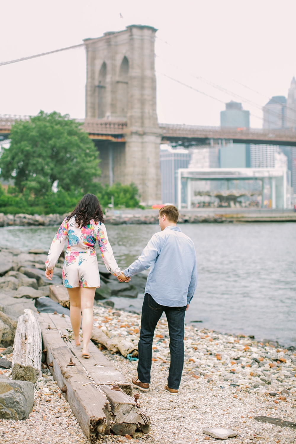 brooklyn-bridge-new-york-engagement-photos_0013.jpg