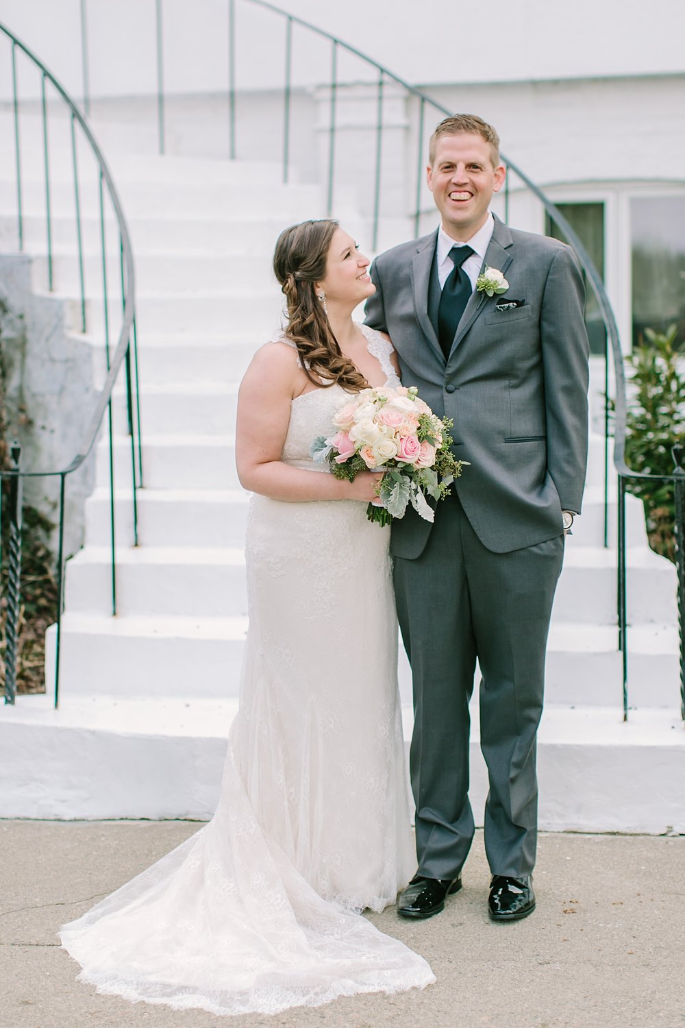 casie&erik_crabtreekittlehouse_wedding_0015.jpg