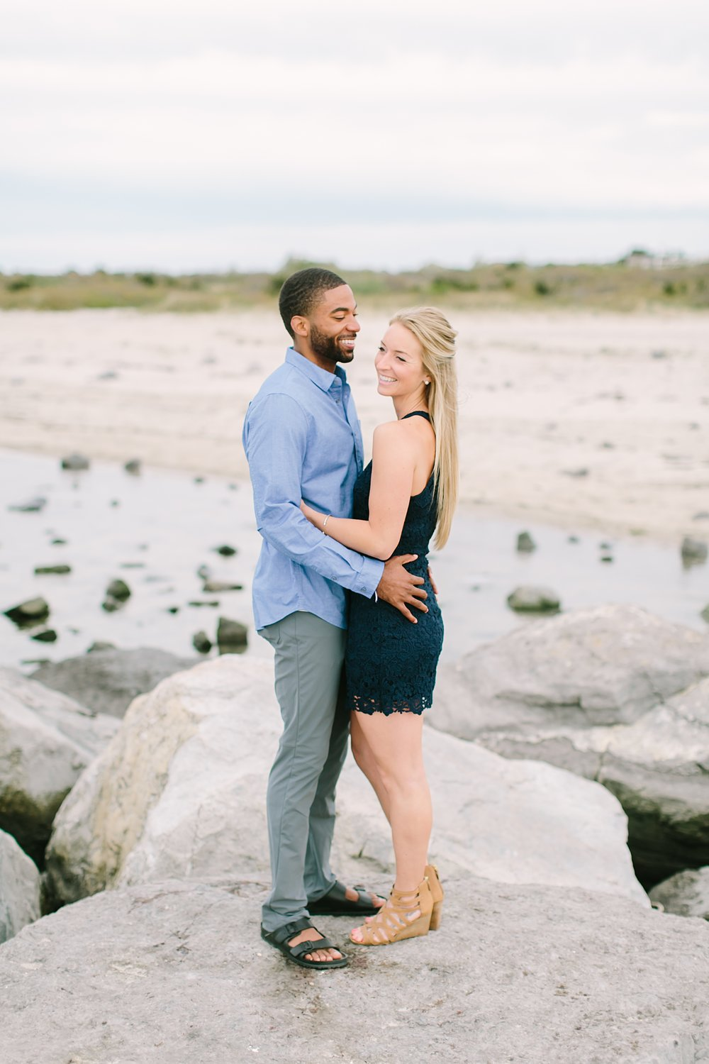 barnegat_lighthouse_long_beach_island_new_jersey_engagement_0001.jpg
