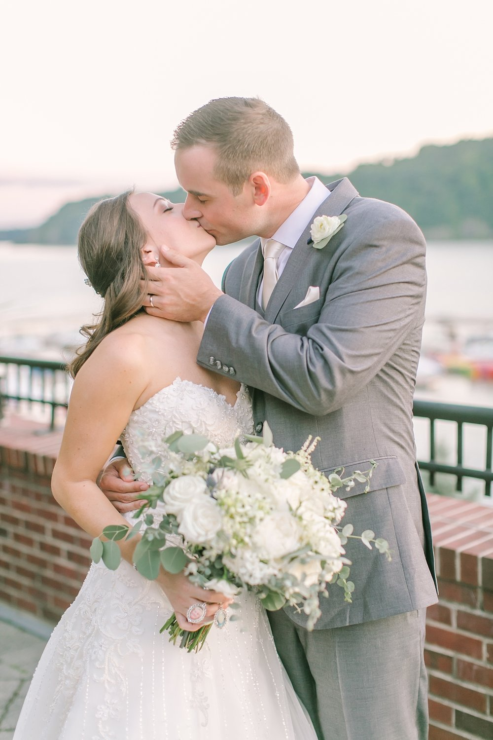 the_grandview_poughkeepsie_ny_wedding_phototography_0030.jpg