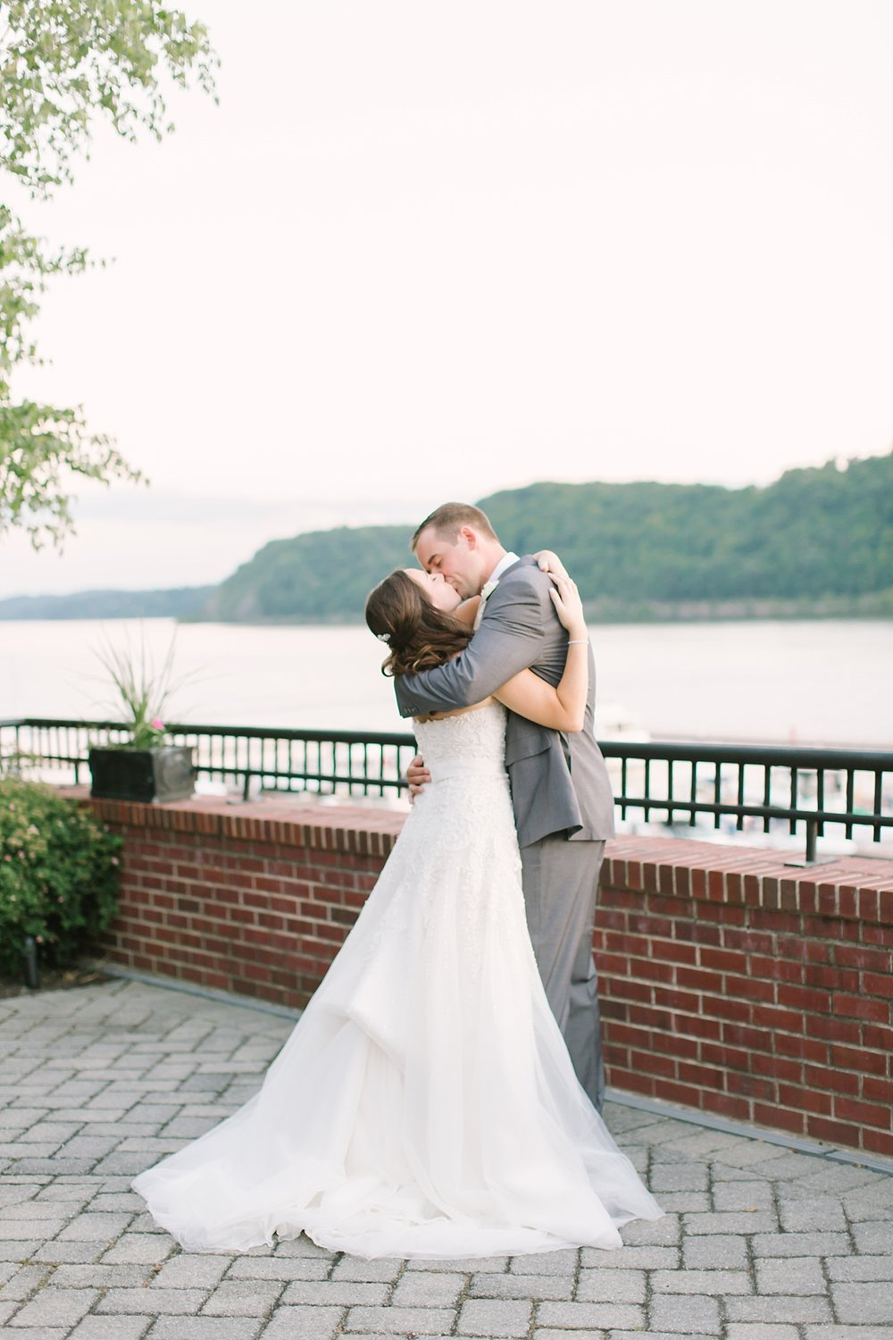 the_grandview_poughkeepsie_ny_wedding_phototography_0038.jpg