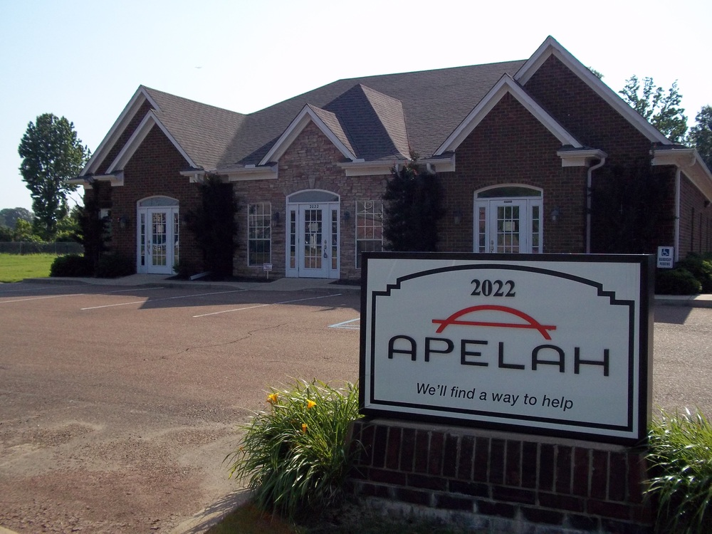 Apelah's Hernando, MS Office