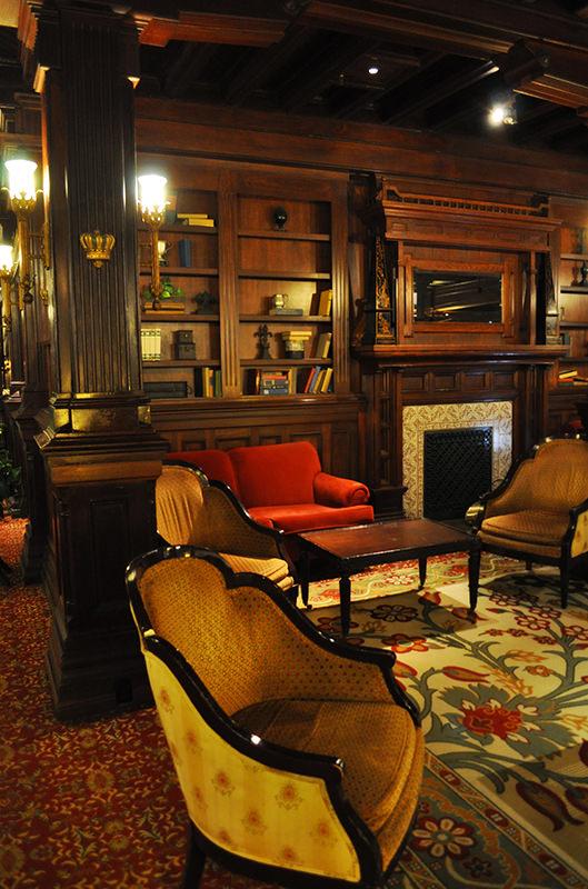Hotel Del Coronado Library