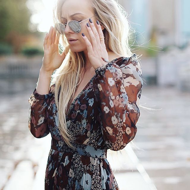 The beautiful @5inchandup wearing our gold Anuket ring 👀☀️#jewellery #outfitpost #details