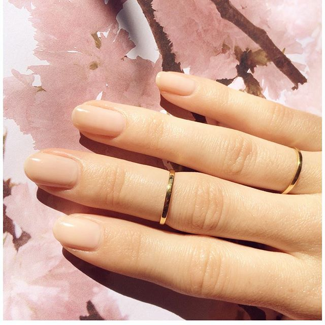 Love these gold handmade skinny rings. 🐰#essentials #jewellery #stackem #happyeaster