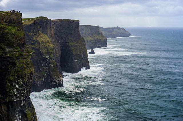 The beautiful Cliffs of Moher in Ireland, one of our favorite touristy spots in the country. Happy St. Patrick's Day! 🇮🇪