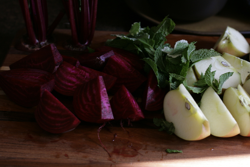 cut beets and apple for juice
