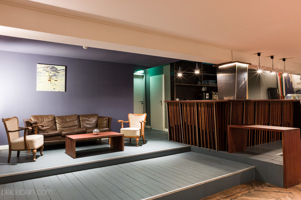 salon 73. Black Bedroom Furniture Sets. Home Design Ideas