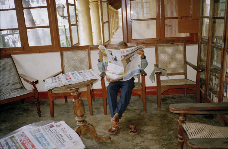 Martin Parr, Galle subscription library. 2004