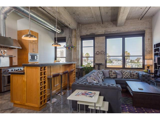 115 W 4th St #302 Long Beach, CA 90802  1 bed /1 bath / 1,512 sq ft
