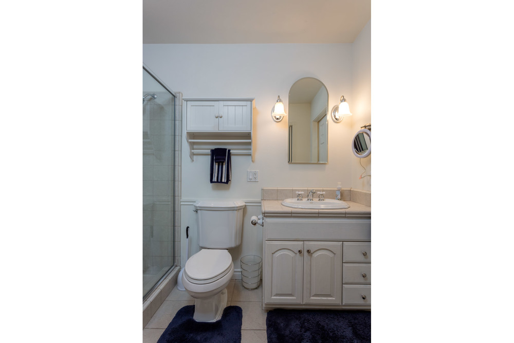 upstairs-masterbathroom.jpg