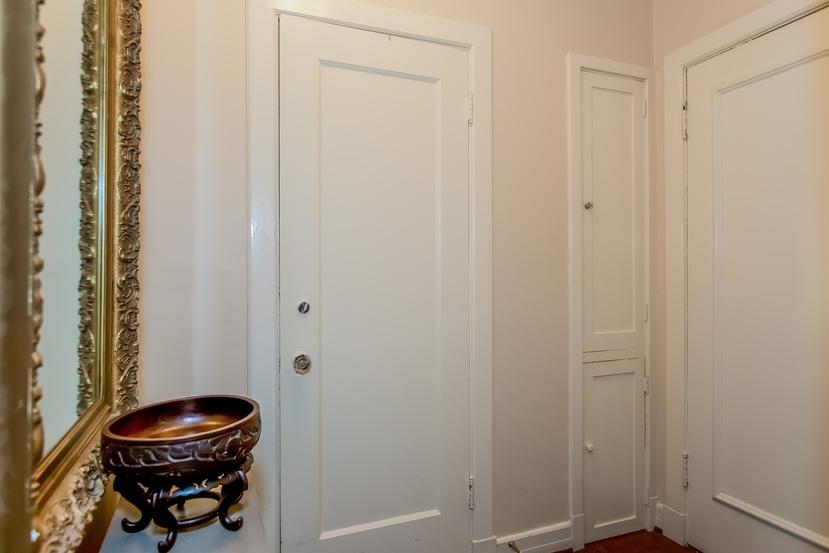 005-Foyer-1404677-mls.jpg