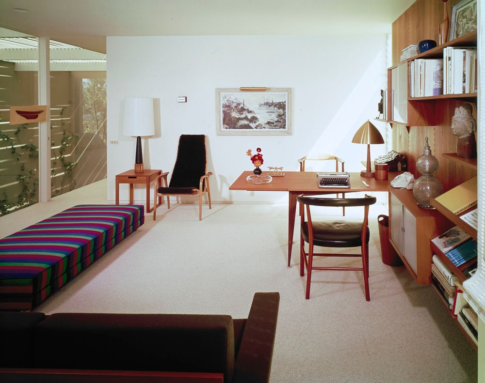 Appointments in the study of Eddie Frank's home included a Hans Wegner arm chair, a lounge chair by Yngve Ekstrom, and a sofa by Rasted & Relling.© J. Paul Getty Trust. Getty Research Institute, Los Angeles (2004.R.10)