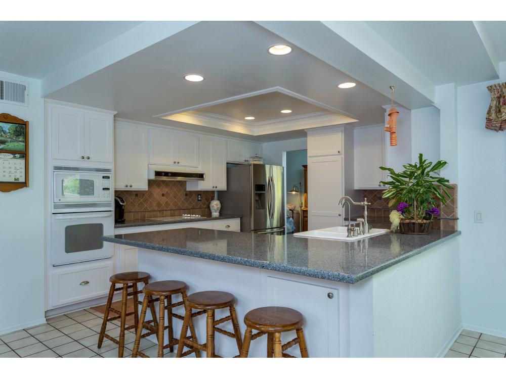 downstairs-kitchen_16332318868_o.jpg
