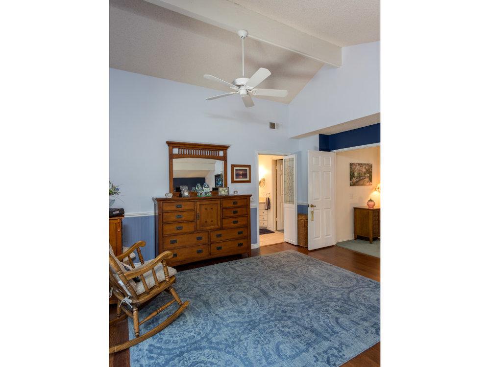 upstairs-masterbedroom-tall_16332560820_o.jpg